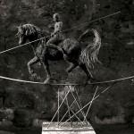 01-mattia-trotta-artist-sculptures-metal-iron-wire-tra-passato-e-futuro-holy-art
